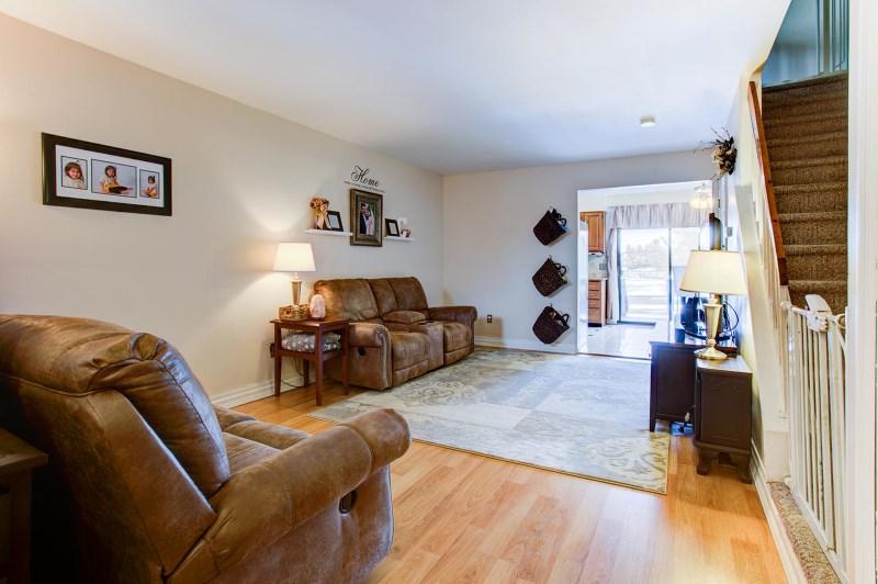 266 Spruce Ct, Flemington, NJ