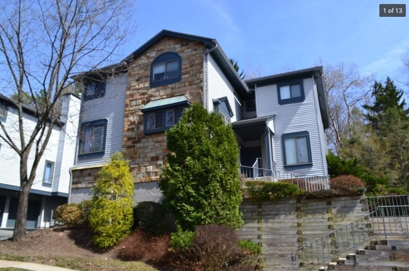 26 Overlook Dr, Hackettstown, NJ