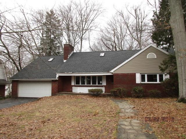 29 Grover Ln, West Caldwell, NJ 07006