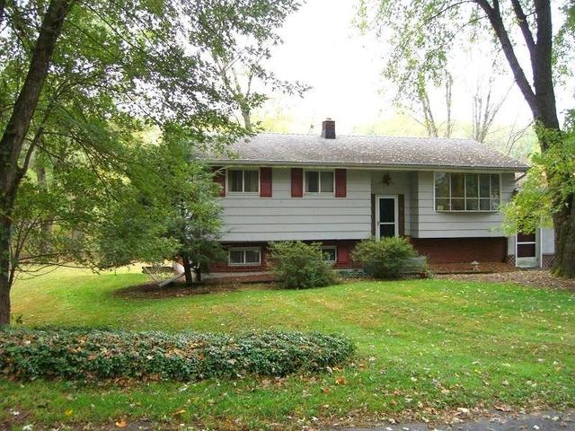 9 Coolidge Ct, Califon, NJ 07830