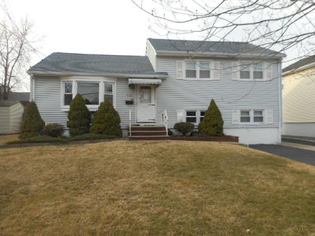 972 Raritan Rd, Clark, NJ 07066