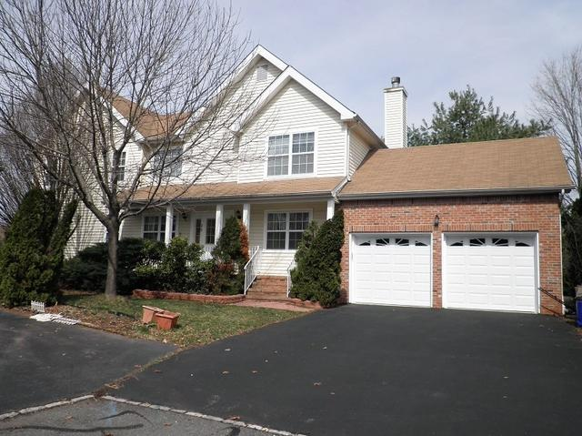 35 Nostrand Rd, Hillsborough NJ 08844