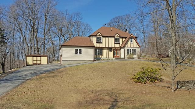 19 Silver Fox Ln, Sussex, NJ 07461