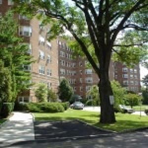 10 Crestmont Rd, Glen Ridge, NJ