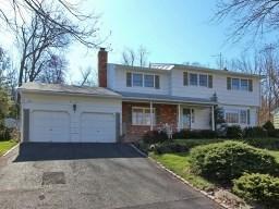 1111 Saddlebrook Rd Mountainside, NJ 07092