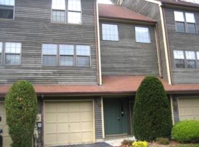 23 Foxboro Ln ## d, West Milford NJ 07480