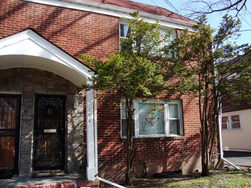 186 Midland Pl, Newark, NJ 07106
