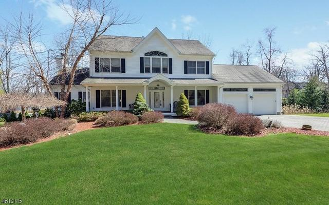 636 W Shore Trl, Sparta, NJ 07871