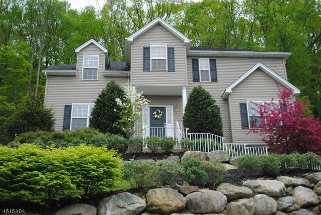 31 Bowers Dr, Hackettstown NJ 07840
