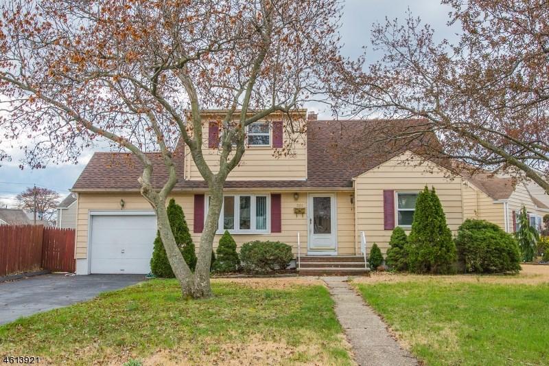 501 Beechwood Rd, Linden, NJ