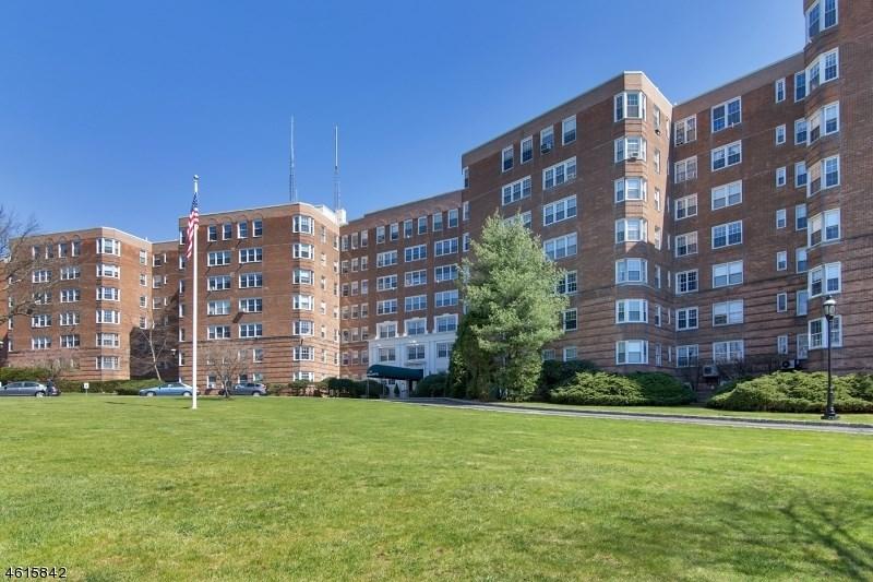 10 Crestmont Rd 3p, Montclair, NJ