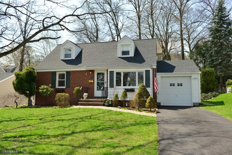 144 Midwood Rd, Glen Rock, NJ