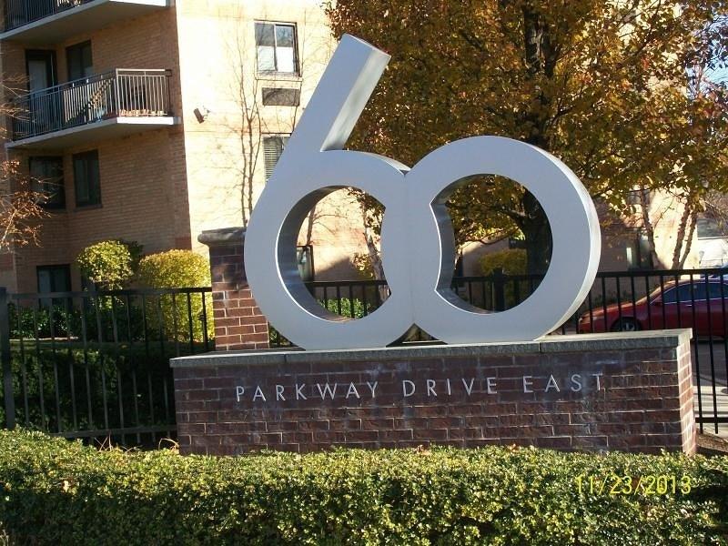 60 Parkway Dr, East Orange, NJ
