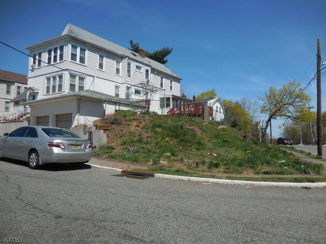 34 Palmer St, Passaic, NJ 07055