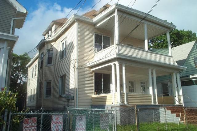 81 Grove St, Passaic, NJ 07055