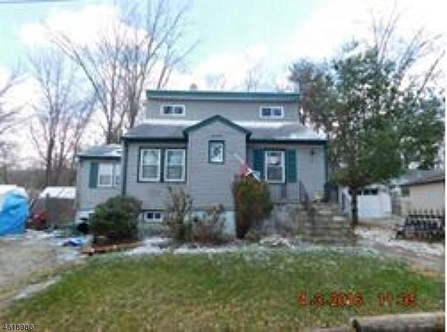 17 Birchwood Pass West Milford, NJ 07480