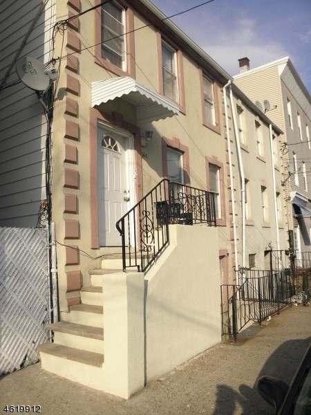 144 South Street, Newark, NJ 07114