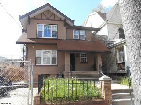 1059 Hunterdon St, Newark, NJ 07112