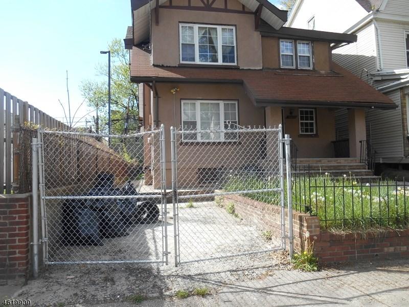 1059 Hunterdon Street, Newark, NJ 07112