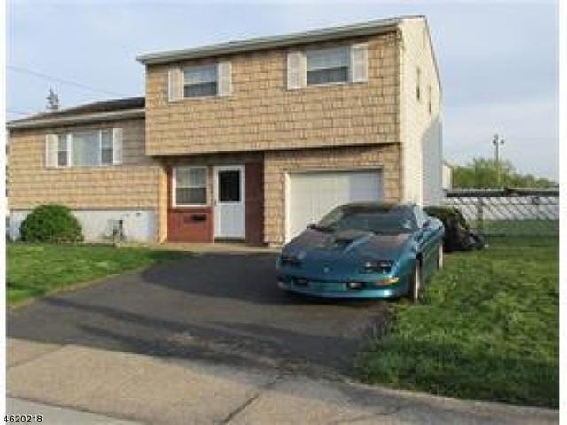 35 Pinho Ave, Carteret NJ 07008