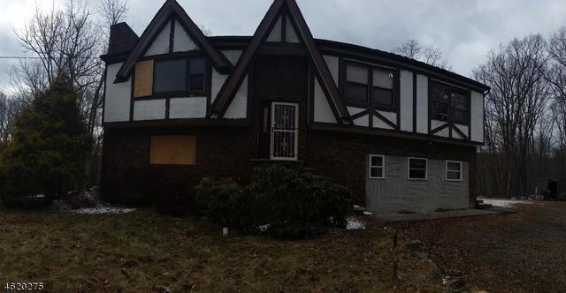 29 Billings Rd, Hopatcong, NJ 07843