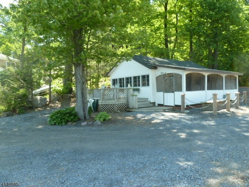 24 Cove Road, Greenwood Lake, NY 10925