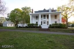61 New St, Hampton, NJ 08827