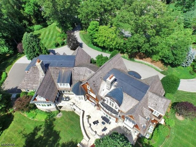 340 Indian Trail Dr, Franklin Lakes, NJ 07417