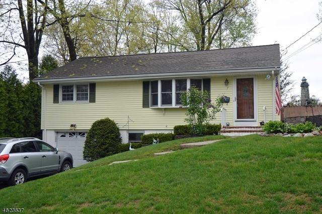 7 Hilltop Ter, Bloomingdale NJ 07403