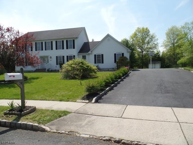 13 Elmendorf Cir, Hillsborough NJ 08844