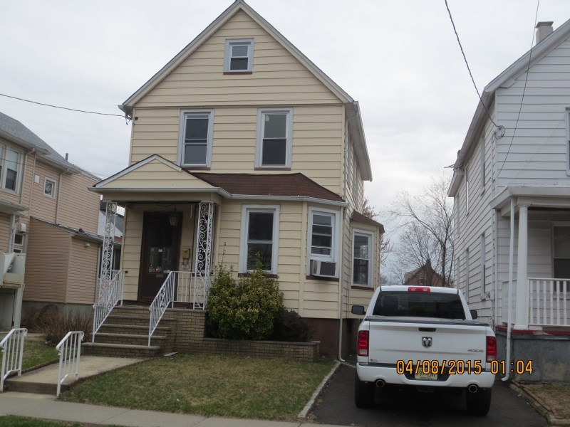 28 Warren Ave, Roselle Park, NJ 07204