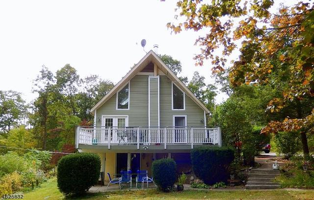 70 Espanong Rd, Lake Hopatcong, NJ