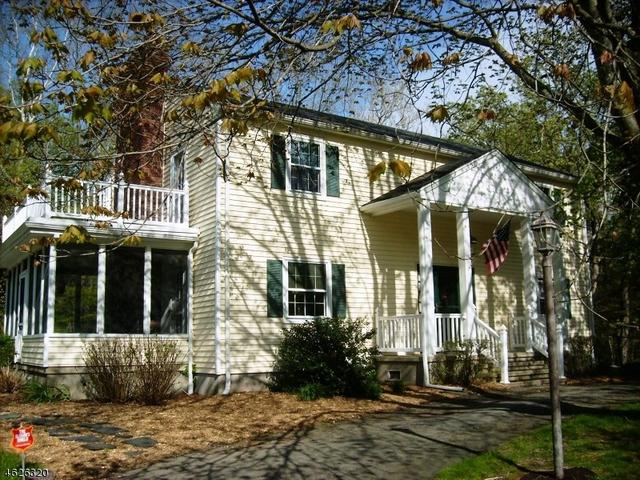 558 Westbrook Rd, Ringwood, NJ 07456
