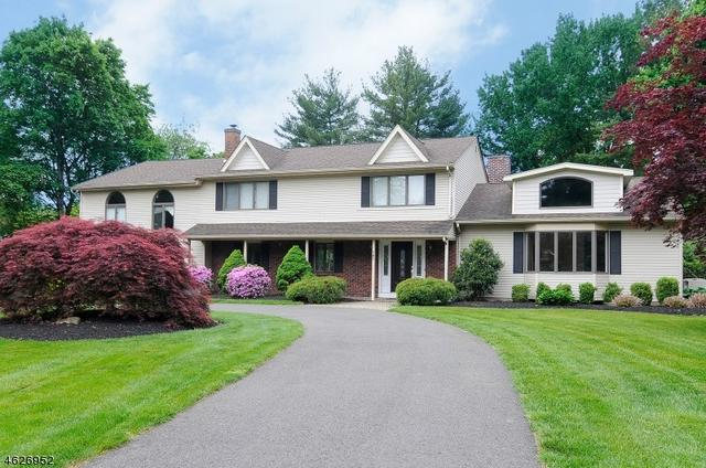 763 Commanche Ln, Franklin Lakes, NJ 07417