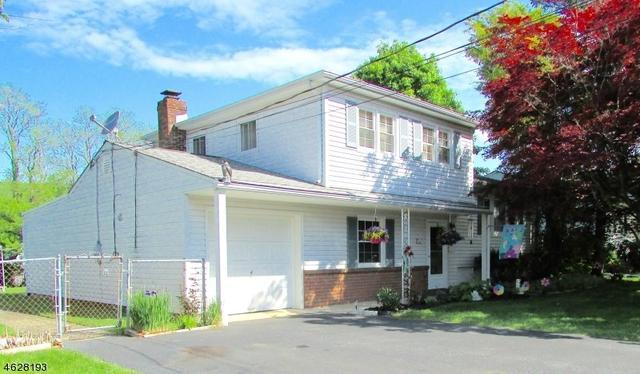 123 Deerfield Dr, Hackettstown NJ 07840