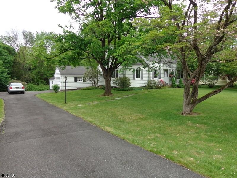 35 Woodstone Road, Basking Ridge, NJ 07920
