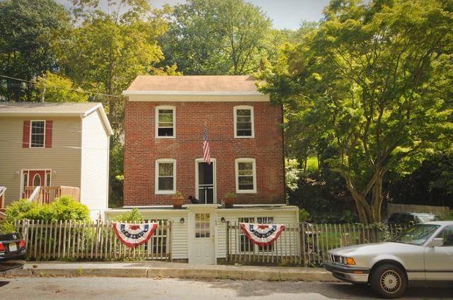 109 York St Lambertville, NJ 08530
