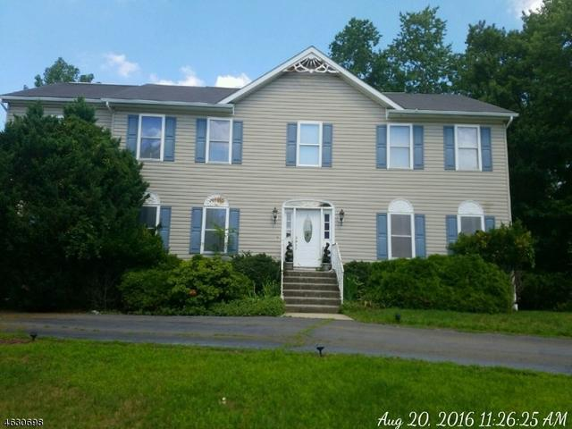 108 Forest Dr, North Haledon, NJ 07508
