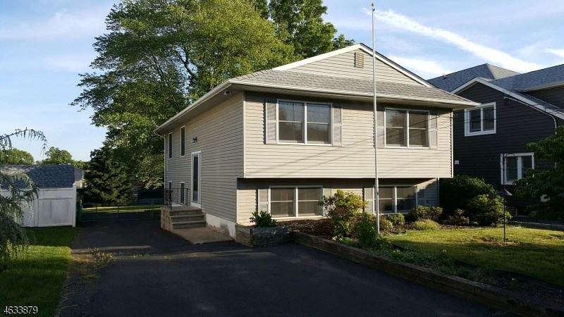 81 Pine St, Bridgewater, NJ 08807