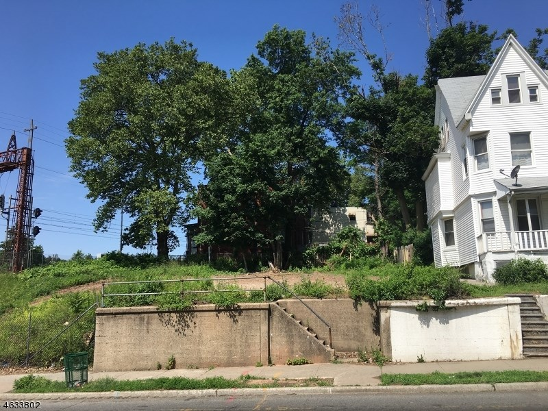 61 N Grove St, East Orange, NJ 07017