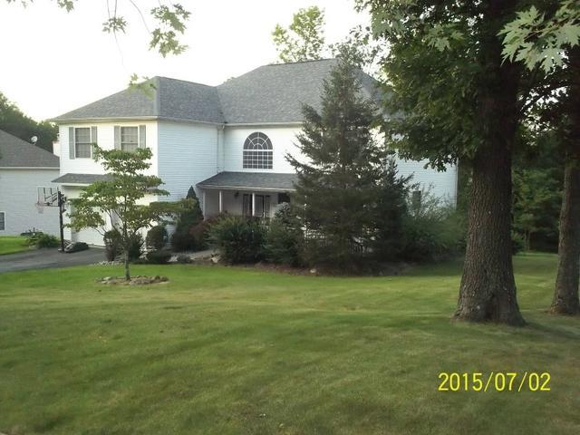 15 Boa Vista Dr, Lake Hopatcong, NJ 07849