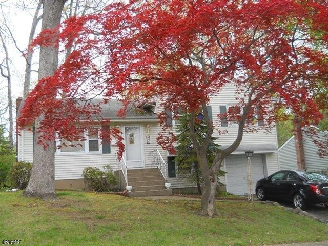 21 Schuler Ave, Waldwick, NJ 07463