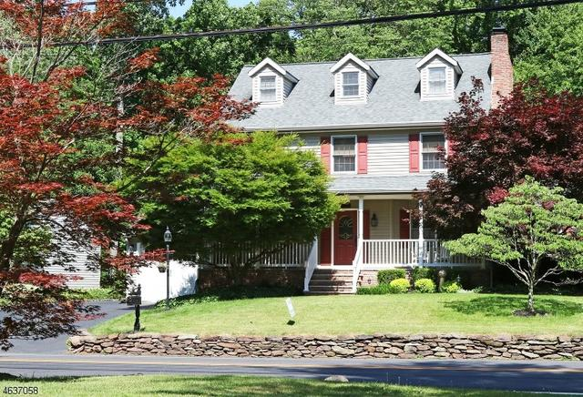 693 Riverview Dr Totowa, NJ 07512