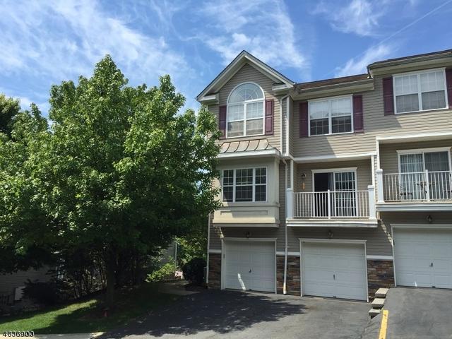 42 Ridge Dr Pompton Lakes, NJ 07442
