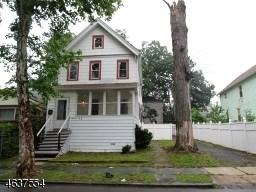 146 Amherst St East Orange, NJ 07018