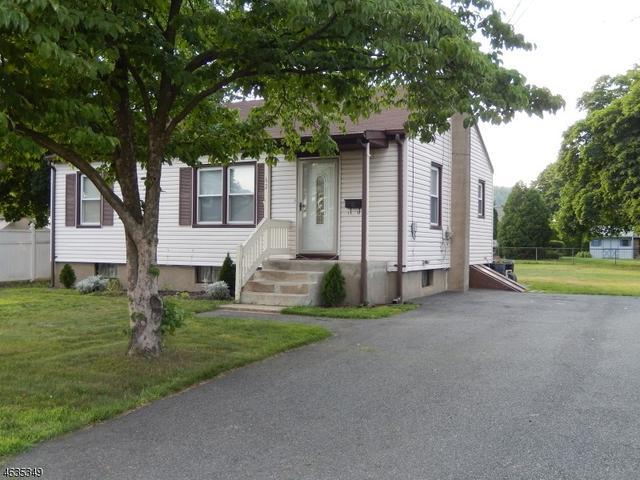 62 Post Ln Riverdale, NJ 07457