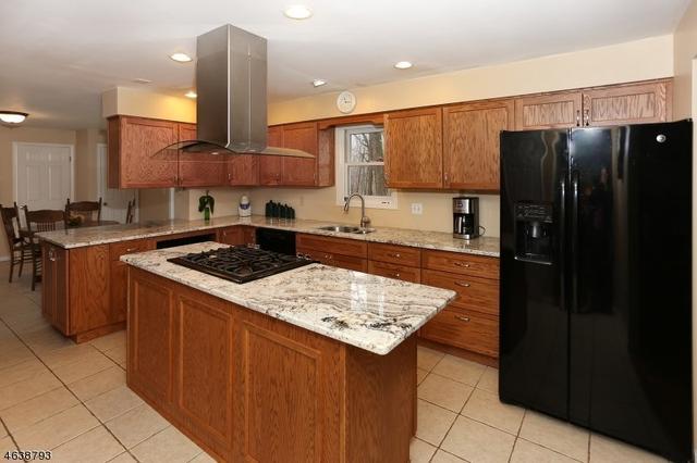 590 Glen Rd, Sparta, NJ 07871