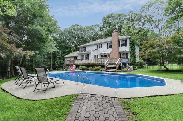 88 Ridge Rd, West Milford, NJ 07480