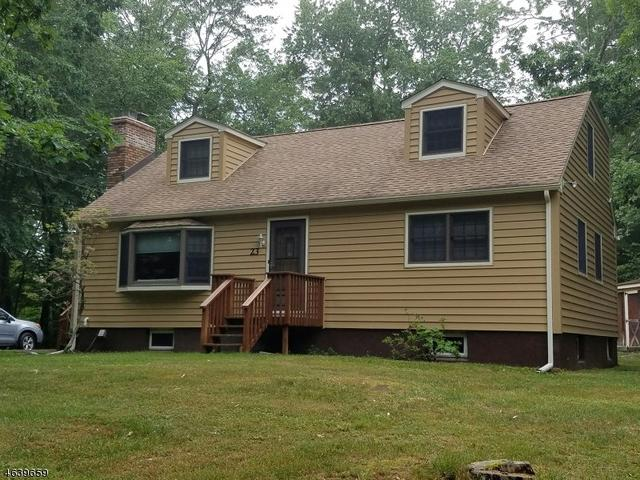 23 Lookover Dr, Hewitt, NJ 07421