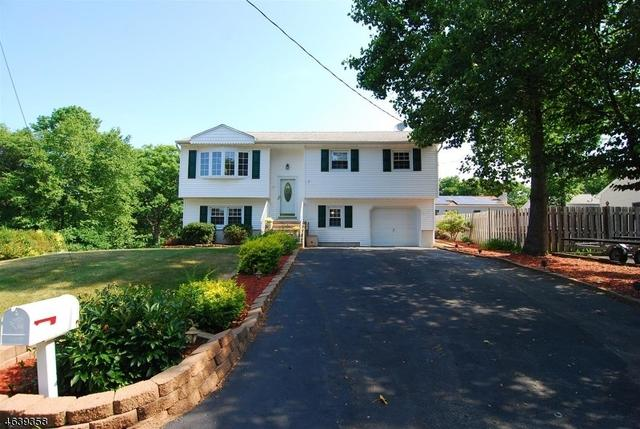 17 Billings Rd, Hopatcong, NJ 07843